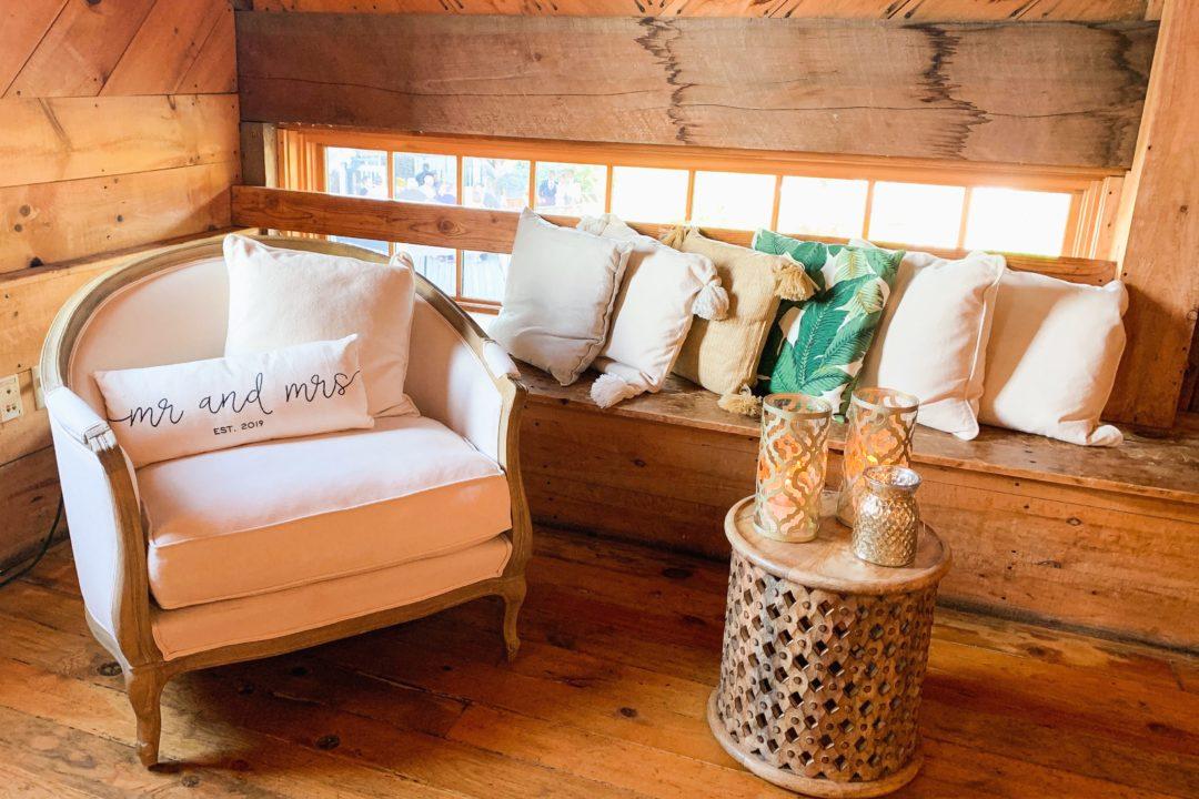 decor in barn interior